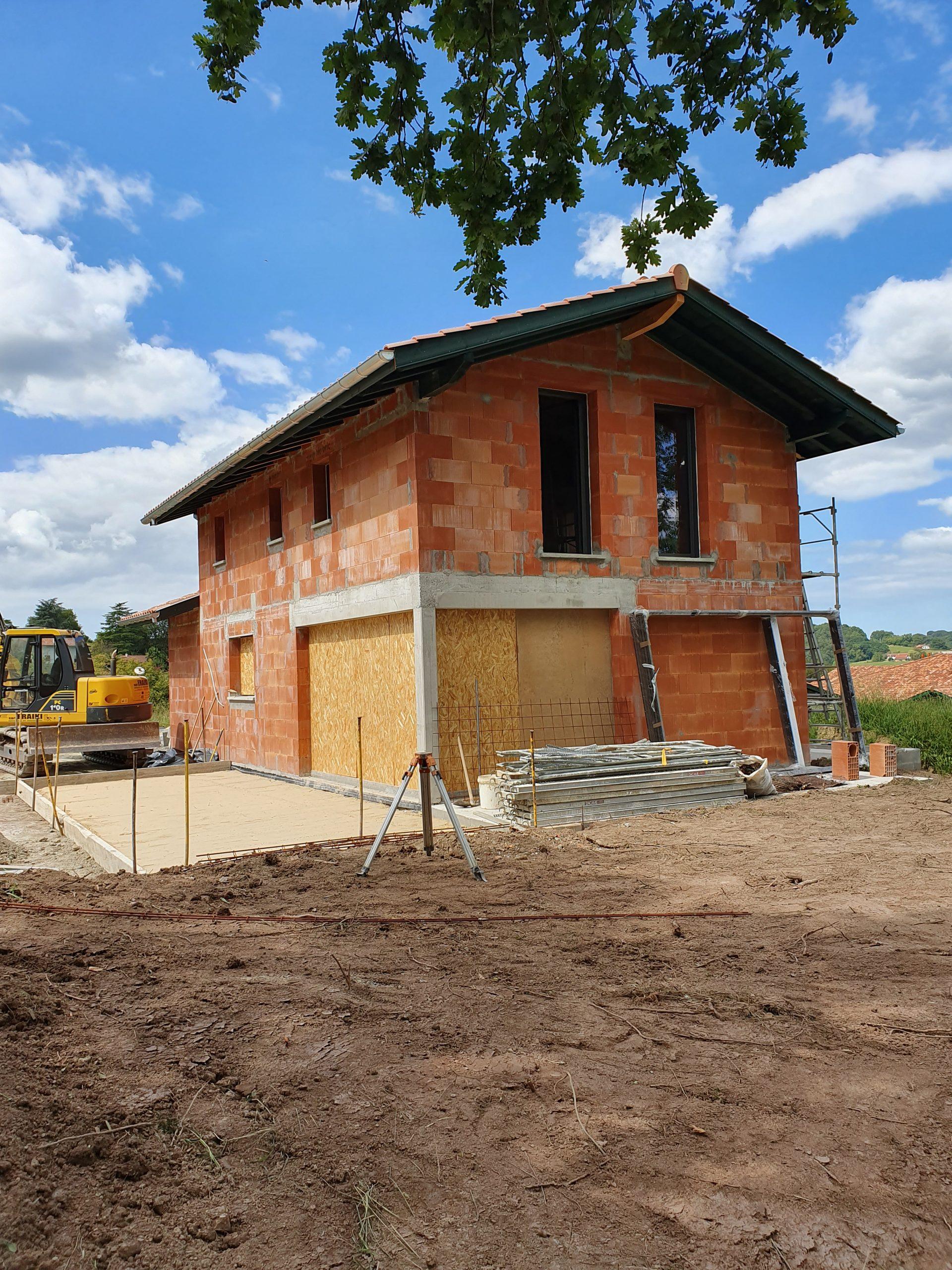 Maison neuve en brique à Espelette